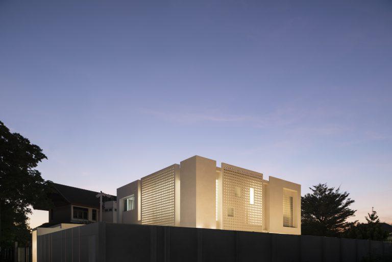 Blur Boundary House